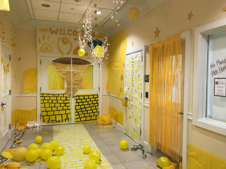 The English hallway was decorated with yellow, showing the juniors class spirit with their Wizard of Oz theme.
