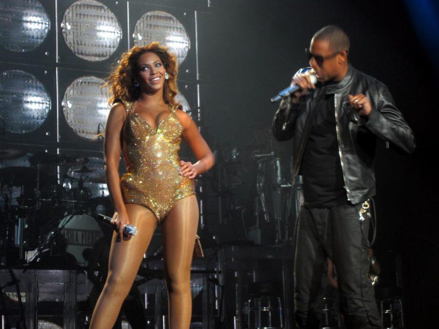 Beyoncé and Jay-Z announce On the Run tour.