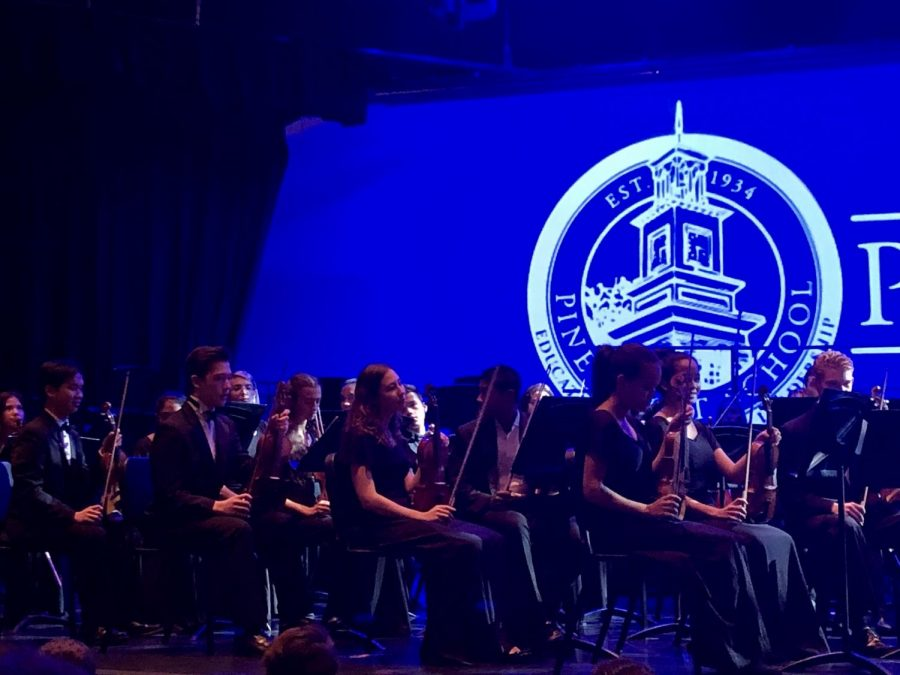 The Upper School Band, Chorus, and Orchestra played festive songs at a recent concert.